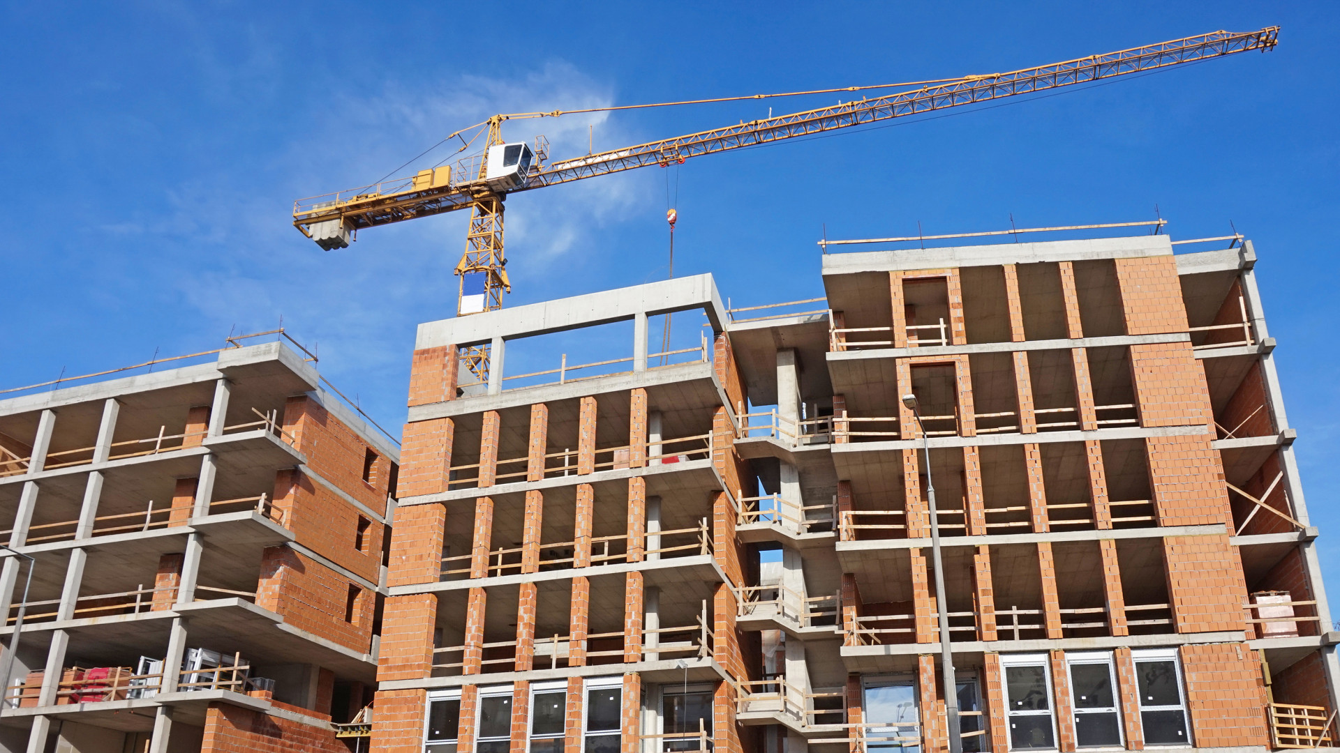 lakás építés 2020